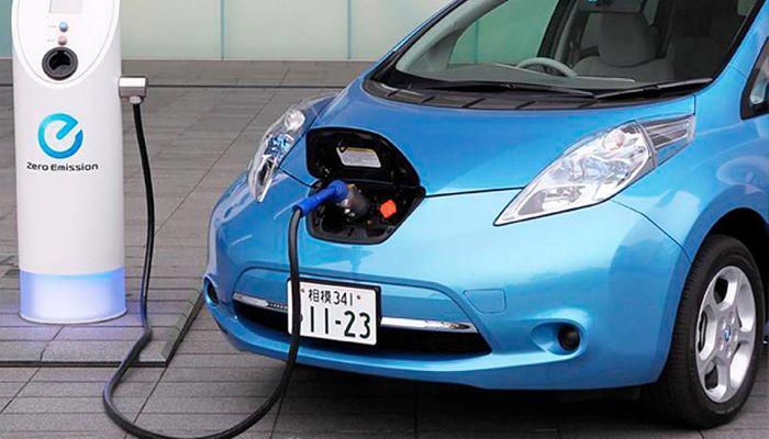27 grandes empresas piden prohibir la venta de coches con motor de combustión en 2035.